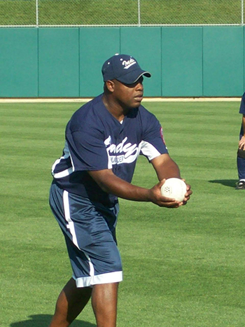 Darnell Booker pitching in an Indy Thunder jersey.